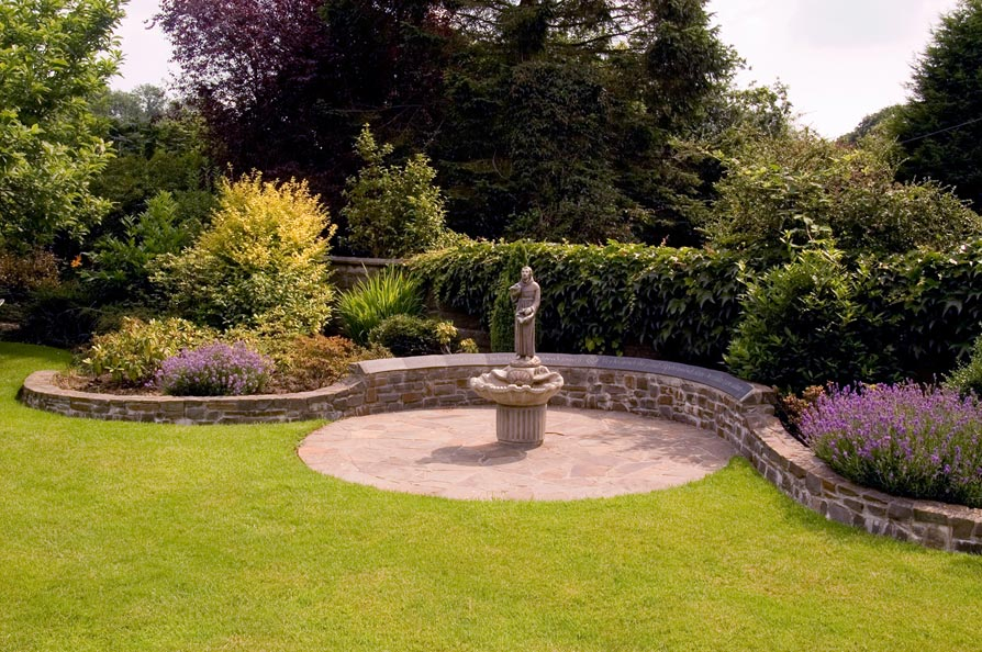 Examples of garden features work by lettering and for Garden features for small gardens